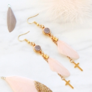 Inspirational Sets Pastel coloured jewellery with feathers